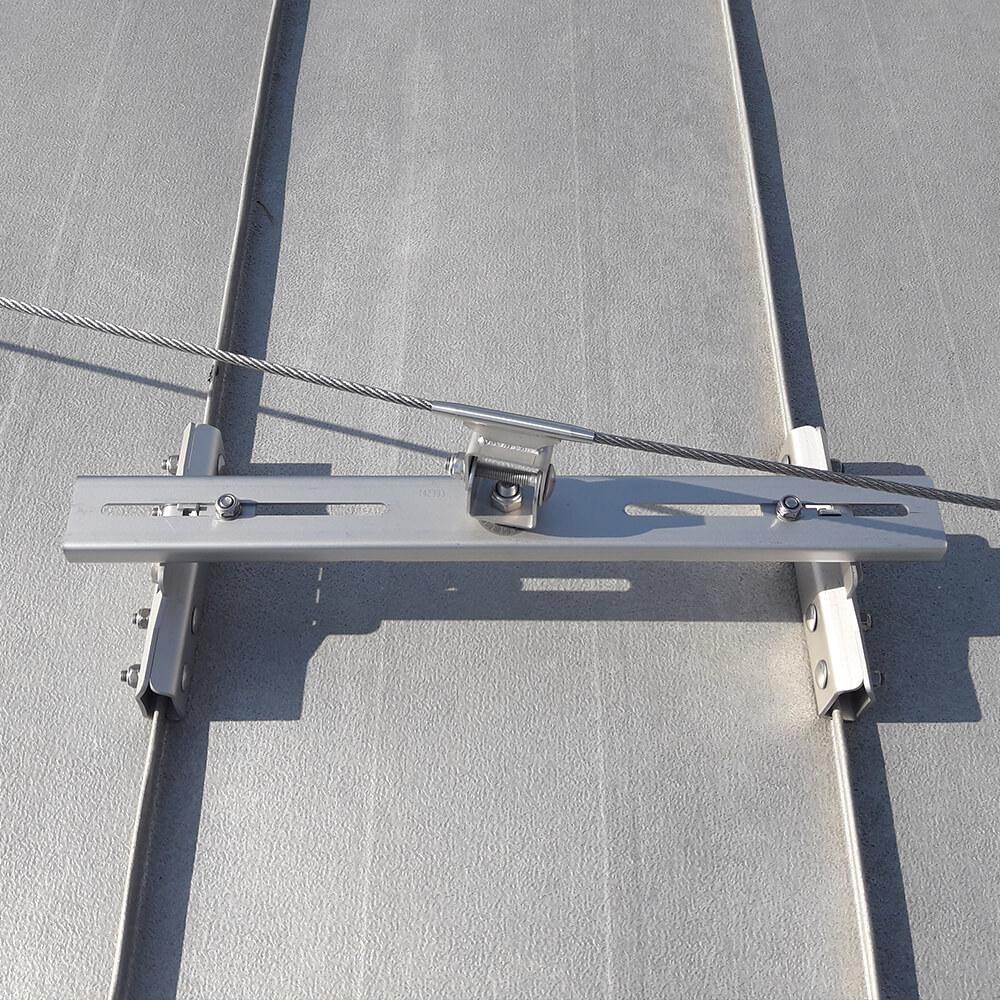 Punkt kotwiczący I-Klemme Accen - montaż na dachu z blachy