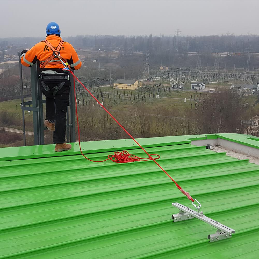 Punkt kotwiczący I-Klemme od Accen- zabezpieczenie przed upadkiem z dachu